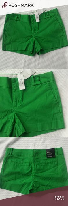 """NWT Banana Republic Shorts Love this color! Ryan Fit Sits low on the waist Straight through the hips and thigh  Inseam 3"""" Waist 17"""" lying flat Banana Republic Shorts"""