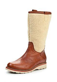 Сапоги Marc'O Polo выполнены из натуральной кожи. Оформление верха искусственным мехом - стильная деталь. Внутренний материал - натуральная кожа. Сапоги застегиваются на молнию. Подошва снабжена рельефным протектором. http://j.mp/WNtFPO