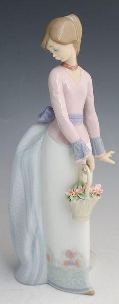 """Lladro Porcelain Figure """"Basket Of Love"""""""