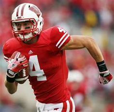 The best WR in the Big Ten Jared Abbrederis Football Fans, Football Players, Football Helmets, Wisconsin Badgers, College Fun, Best Player, Green Bay Packers, Athletes, Pride