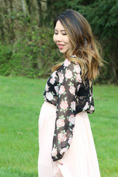 floral prints blouse, sheer top, lace back, maxi skirt, spring fashion, pastels, maternity style, dress the bump, petite fashion