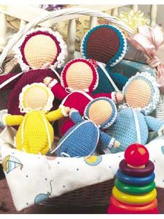 Bunting Doll in 3 different sizes. Free pattern.