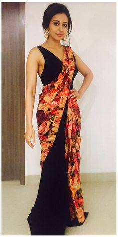 Rakul Preet Singh Gorgeous Photos In Black Saree - Rakul Preet Singh