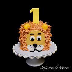 Half Birthday Cakes, 1st Birthday Cupcakes, Jack Daniels Cake, Lion Cakes, Lion Birthday, Buttercream Decorating, Safari Cakes, Animal Cakes, Cake Smash
