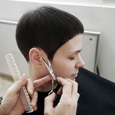 "531 Likes, 32 Comments - mm_zgat (@mm_mario_mesaric) on Instagram: ""mm#zgat#zgatacademy#geometry#haircut#accuracy#precision#passion#balance#line#graduation#layer#model#startrek#posing#bmacscissors#hairbrained"""