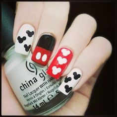 Nails-Mickey Nails Mish should do for her and Kim at Nicos Birthday! Fancy Nails, Love Nails, How To Do Nails, Pretty Nails, My Nails, Dream Nails, Bride Nails, Disney Nails, Disneyland Nails