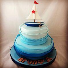 """@reposteriasuss's photo: """"#marinero #tortamarina #olas #mar #velero #TortasSoñadas #cake #fondant #tortas #encantadorastortas #maracaibo #reposteria #instacake #ilovecakes #fondantcake #original #impecable #sweet #party #celebracion #fiesta #reposteriasuss  #CakeLook #Süß"""""""