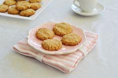 מתכון עוגיות טחינה כשרות לפסח, פריכות וטעימות במיוחד   מצרכים (20 עוגיות):  3/4כוס קמח מצ