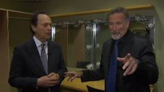Robin Williams Crashes Interview With Billy Crystal