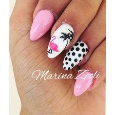 Flamingo nails by Marina Zeoli 😍🌸💅🏻💅🏻💅🏻💅🏻 #flamingonails #nails #nailart #italiannails #summernails