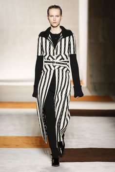 [SN] #VICTORIA #BECKHAM #AW #AUTUMN #WINTER #16 #RUNWAY #NOW curated from  - The App Stylenotes