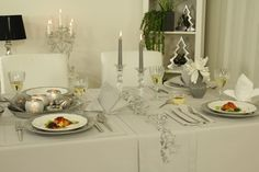 Tischdecke für Weihnachten und andere festliche Anlässe. Je nach Wahl der Tischdeko, ob Weihnachten, Ostern oder zum runden Geburtstag ist eine passende Tischdeko mit dieser schlichten basic Tischdecke einfach schön und immer passend.