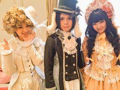 """摩天楼オペラ 彩雨 on Twitter: """"では昨日の写真を少しですが載せていきます。岸田エリ子さん、岸田リナさんと。双子ですが、昨日は全然違う衣装でした! http://t.co/vyxGJRyCih"""""""