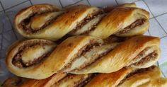 Holnap reggelire egy finom diós-almás péksüti jöhet? ;) Természetesen tölteléknek bármit lehet használni, csak nálunk árválkodott már egy...