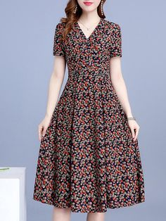 V Neck Floral Printed Maxi Dress Find latest women's clothing, dresses, tops, outerwear, and other fashion clothing and enjoy the worldwide shipping # Cheap Maxi Dresses, Modest Dresses, Casual Floral Dresses, 1950s Dresses, Floral Maxi, Dress Casual, Vintage Dresses, Summer Dresses, Formal Dresses