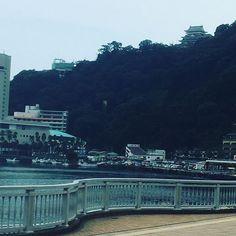 【yukapomupurin】さんのInstagramをピンしています。 《#熱海旅行#熱海#旅行#踊り子#踊り子号#熱海駅#温泉#旅館#hotspring#hotsprings#travel#atami#train#♨️#🚃#shizuoka#japan#熱海温泉#熱海城#海#sea#綺麗#beautiful#ocean#atamicastle#castle#秘宝館#ロープウェイ#🚠#view》