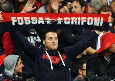Tifosi a #Marassi #Genoa