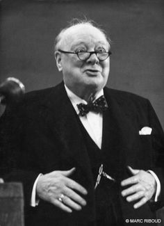 Marc RIBOUD :: Churchill's last appearance at the conference of conservatives in Blackpool, 1954