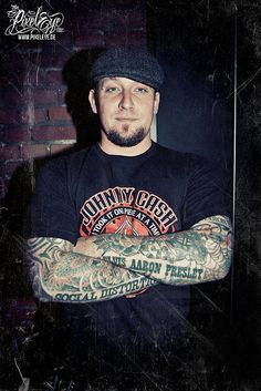 Michael Schøn Poulsen of Volbeat (2008) by THE PIXELEYE // Dirk Behlau, via Flickr