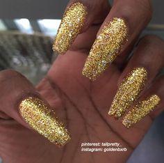 Chrome nails designs, nail designs, bling nails, prom nails, glitter na Gold Glitter Nails, Sparkle Nails, Bling Nails, Chrome Nails Designs, Nail Designs, Gorgeous Nails, Pretty Nails, Chrom Nails, Cute Nail Colors