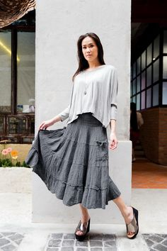 Peasant Skirt, Ruffle Skirt, Midi Skirt, Gauze Clothing, Tiered Skirts, Smocking, Cool Outfits, Trending Outfits, Model