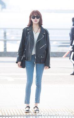 [HD포토] 이성경 쭉쭉 뻗은 팔다리  #이성경 #공항패션 Kpop Fashion, Asian Fashion, Fashion Pants, Fashion Outfits, Airport Fashion, Fashion Tips, Airport Outfits, Athleisure, Lee Sung Kyung Fashion