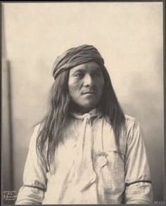 Indian Pictures: Native American Photos of the Apache