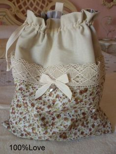 love has some good ideas worth checking out! Sacs Tote Bags, Sewing Crafts, Sewing Projects, Fabric Basket Tutorial, Lace Bag, Potli Bags, String Bag, Couture Sewing, Sewing Studio