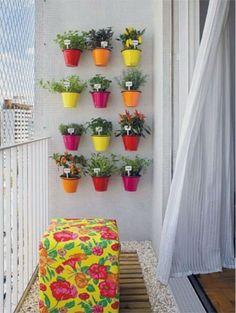 balkon-duvar-aksesuarlarikucuk-balkon-dekorasyonlaridar-balkon-dekorasyonu-fikirleridar-uzun-balkon-dekorasyonu.png (293×389)