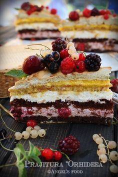 Culoare si savoare...Prajitura Orhideea:)   Enjoy! Romanian Desserts, Chocolate Cake, Sweet Treats, Cheesecake, Macarons, Deserts, Good Food, Food And Drink, Dessert Recipes