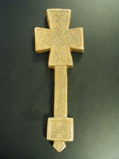 Christian HandCross Crosses, Objects, Symbols, Christian, Hands, Ornaments, Kunst, Christmas Decorations, Christians