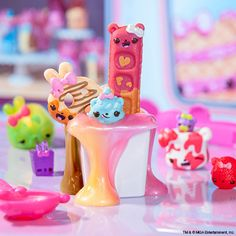Find Twirly S'mores, Raz-Beary Waffle & C. Fluff in sweet-smelling Neapolitan SLIME! Fun Crafts For Kids, Craft Activities For Kids, Art For Kids, Num Noms Toys, Baby Toys, Kids Toys, Chubby Puppies, Unicorn Pencil Case, Diy Wax