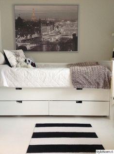 lastenhuone,matto,säilytys,mustavalkoinen,valokuvataulu