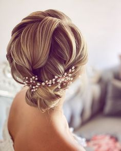 Stunning textured updo on fine not quite shoulder length hair.  Beaitiful for brides. Aspiring bridal hairstylists can learn how to create this style at Trily Gorgeous Education Hairdos, Cute Hairstyles, Wedding Hairstyles, Side Chignon, Bridal Hair Updo, Hairstylists, Good Hair Day, Shoulder Length Hair, Beach Hair