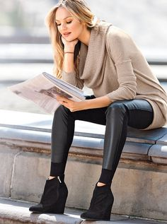 Tunic and Legging with Booties to Look Cool
