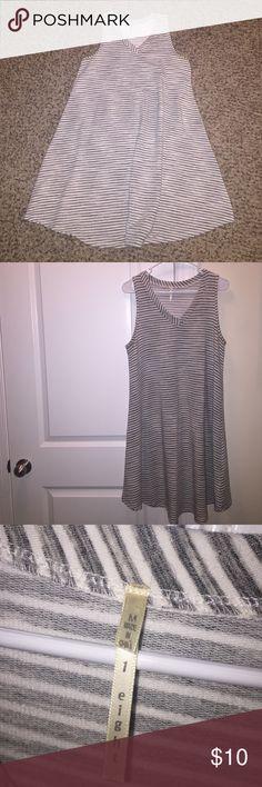 Sleeveless Swing Dress - Knee length maxi Medium swing dress w/ v-neck. Stripe pattern - gray and white. So comfortable and cozy! Dresses Maxi