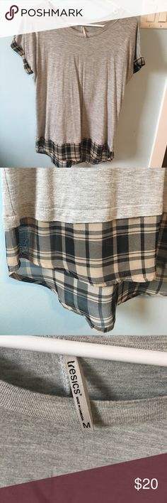 Soft Flowy Tunic Plaid Tee This Tee is great for spring and summer and looks great with skinny jeans or black leggings. Super soft! Some pilling noted in last pic but not other problems noted! EUC runs small! Fits more like a size XS/S! Purchased at a local boutique. Boutique Tops Tunics