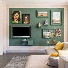 DIY: how to get rid of the TV in style - Eigen Huis en Tuin , Decoration Inspiration, Inspiration Wall, Living Room Inspiration, Diy Decoration, Wall Decorations, Living Room Tv, Home And Living, Rental Decorating, Elegant Homes