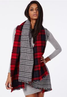 CAMERON! SHES WEARING YOUR SCARF!!!
