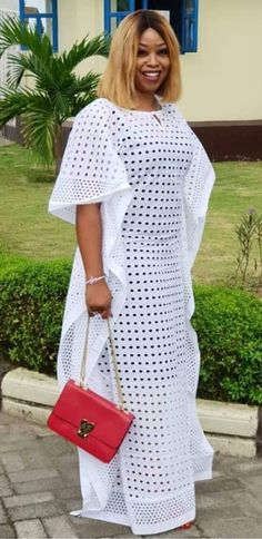 African Party Dresses, Latest African Fashion Dresses, African Dresses For Women, African Print Dresses, African Attire, Nigerian Lace Dress, Ghanaian Fashion, Lace Dress With Sleeves, Africa Fashion