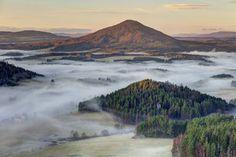 Foggy Bohemian Switzerland Landscapes – Fubiz Media