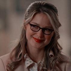 Kara Danvers Supergirl, Supergirl Dc, Mellisa Benoist, Melissa Supergirl, Find Icons, Twitter Icon, Dc Comics Characters, Wattpad, Iconic Women