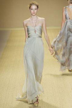 Monique Lhuillier Spring 2009 Ready-to-Wear Fashion Show - Taryn Davidson