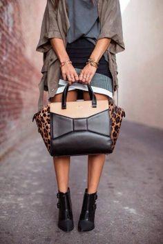 Love that purse!!