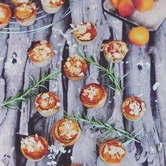 Assortiment de fatayer : fromage ou viande (Foodista Challenge # - Rock the Bretzel Fatayer, Rock The Bretzel, Sweet Desserts, Biscuits, Sushi, Sweets, Vegetables, Ethnic Recipes, Paris Brest