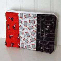 Handmade zipper bag, the perfect size for those tiny sewing notions