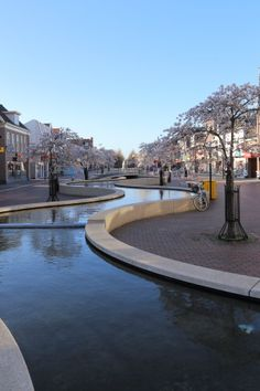 Hoogeveen main street by Wicher Bos, The Netherlands Open Architecture, Landscape Architecture, Places In Europe, Oh The Places You'll Go, Netherlands Country, Pond Fountains, City Art, Water Features, Nice View