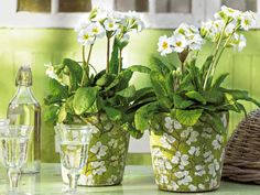 Интериор и мебели: Украса с пролетни цветя