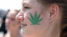 Colorado recauda millones de dólares por la venta legal de cannabis http://www.lavozdeasturias.es/noticia/asturias/2017/06/05/colorado-recauda-millones-dolares-venta-legal-cannabis/00031496426567135291855.htm?utm_campaign=crowdfire&utm_content=crowdfire&utm_medium=social&utm_source=pinterest