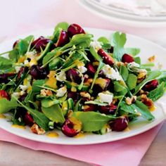 For a healthy holiday side dish or a simple weeknight dinner, this Tossed Salad with Apple Butter Vinaigrette boasts fall's finest ingredients! Italian Chopped Salad, Italian Salad, Vinaigrette, Healthy Menu, Healthy Recipes, Apple Butter, Summer Salads, Thanksgiving Recipes, Xmas Recipes